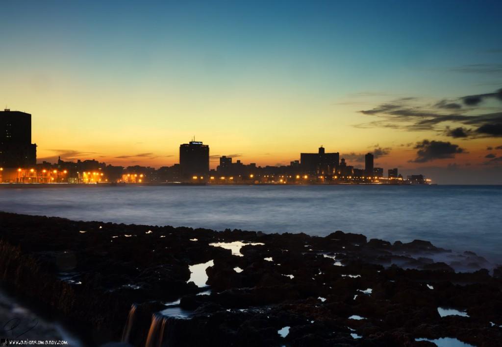 Muelle de La Habana en la noche