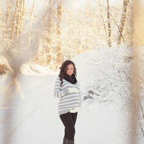 зимняя беременная фотосессия
